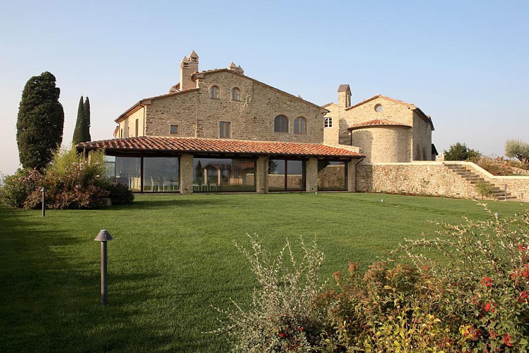 Wth world tuscan housesle pietre caratteristiche e for Case di pietra davanti